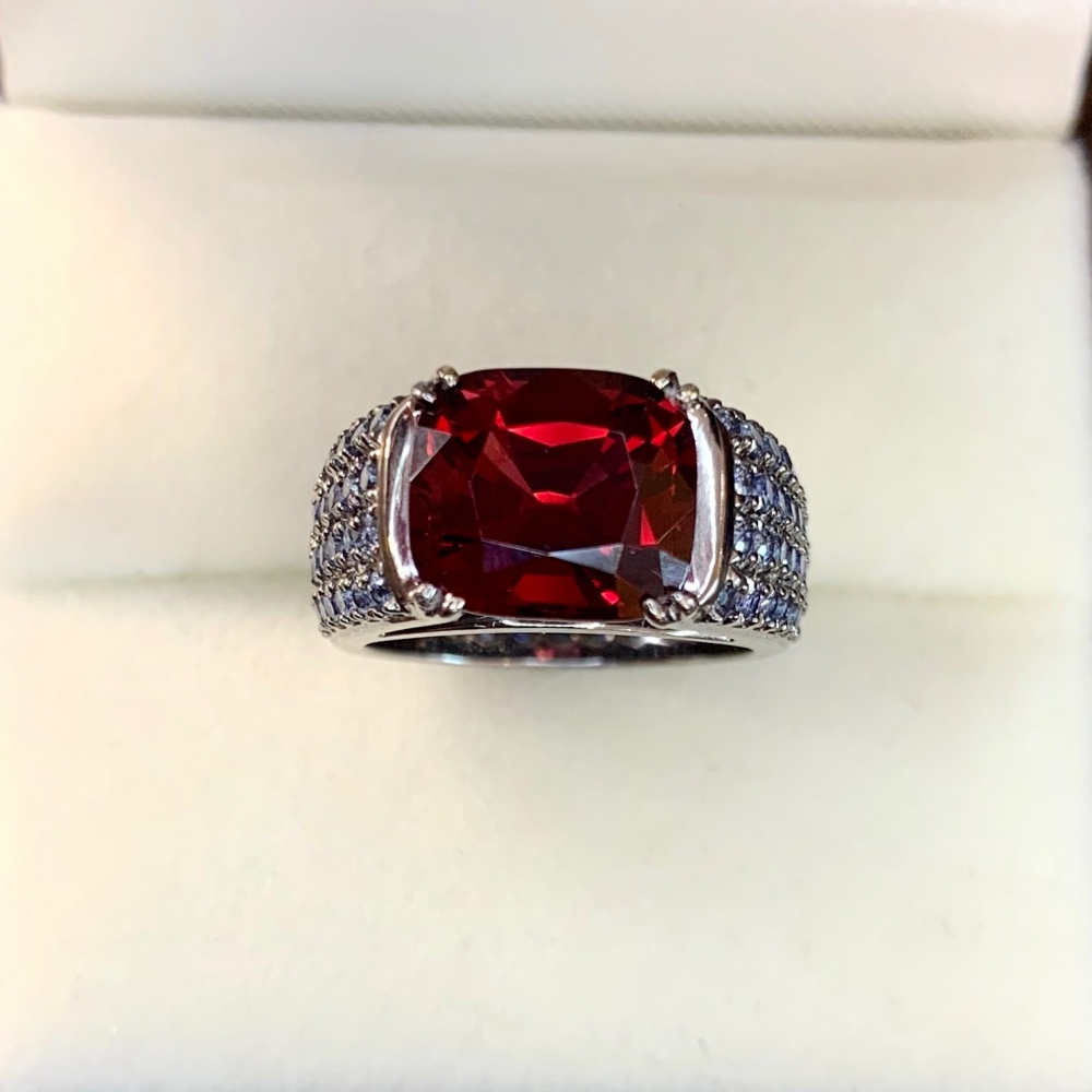 3 Carat Vivid Red Spinel Ring with Blue Sapphires 18 Karat Gold