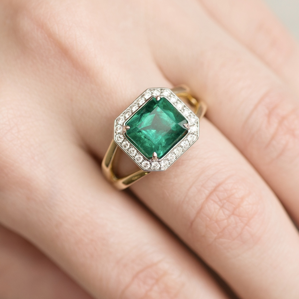 3 Carat Intense Green Natural Emerald Diamonds 18 Karat Yellow White Gold Ring